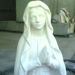 Nettoyage de statue en pierre