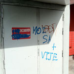 Enlèvement de graffitis sur mur peint - Avant
