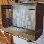 Aus ausrangierten Fernsehgehäusen baute ich als Kind meine ersten Vogelkäfige