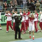 Team Austria läßt sich nach Jürgen's zweitem Triumph feiern