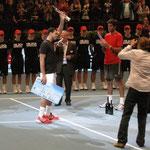 Jo Wilfried Tsonga bei der Siegerehrung