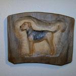 Relief Hund aus Lindenholz