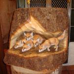 Fuchsbau aus Lindenholz, coloriert