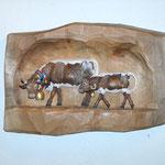 Pinzgaukuh mit Kalb aus Zirbenholz, coloriert