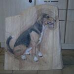 Relief Hund fertig, coloriert