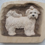 Hund aus Lindenholz, coloriert