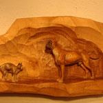 Hund und Katz Relief aus Zirbenholz, coloriert