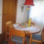 Das Esszimmer als zentraler Anlaufpunkt der Wohnung.