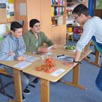 In der Klasse 7a wird das Projekt Schulgarten vorgestellt.