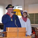 Herr Buggle begrüßt die Hemdklonker und das Kischtemännle.