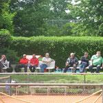 Die Zuschauer verfolgen gespannt die Halbfinalspiele