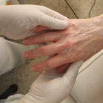 Handpeeling, Vorbereitung für eine Parafinbehandlung