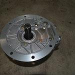 SAE Platte mit angeflanschten Getriebe
