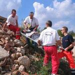 Rettung eines Verletzten vom Trümmerkegel