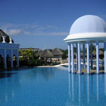 Tranquil sights and hotels of Cuba
