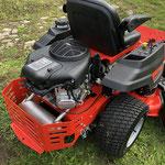 Simplicity SZT150 mit 2 Zylinder Briggs  Stratton Intek Motor