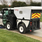 Multihog CV350 Sweeper für kommunale Einsatzbereiche.