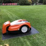 Die Stihl Rasenroboter sind sehr sicher geschützt vor Unfällen mit Kindern und Tieren.