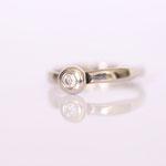 Ring Weissgold mit Diamant Foto Stella Schlatte