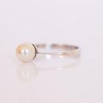 Ring in 14 kt Weissgold mit Süsswasser Perle