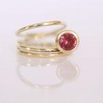 Ring Gelbgold mit roten Turmalin Rubelith