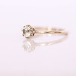Verlobungsring mit Diamant in Krappenfassung Foto Stella Schlatte