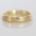 Eheringe 14 kt Gelbgold gescratched mit Diamant Fotos Stella Schlatte