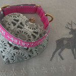 Halsband Rosi, Gurtband mit Reflexstreifen 2cm, Name + Telefon aufgestickt
