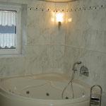 eingeflieste Badewanne