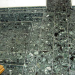 grüner Agglo-Marmor im Treppenhaus