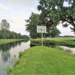 da wo der Mühlenbach (links) in den Störkanal (rechts) fließt oder der Störkanal (recht) in den Mühlenbach (links) fließt ;-)