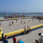 Deutsche Beach-Hockey-Meisterschaft  Timmendorfer Strand... für ausgelassene Stimmung an der Seebrücke war gesorgt