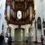 Das absolute Highlight des Doms ist die Orgel. Die Orgel sieht sehr imposant aus und die prachtvollen Schnitzornamente und die filigranen beweglichen Figuren sind beeindruckend. Atemberaubend aber ist es, die Orgel zu hören.