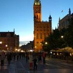 hier der Lange Markt am Abend