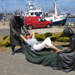 ich nahm meine Schulter- und Fußmassage im Fischereihafen. Den Duft der großen weiten Welt gab es dort gratis dazu