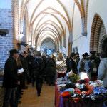 Der Weihnachtsmarkt in Zarrentin findet immer am zweiten Adventswochenende statt und das nun schon zum 17. mal. Für das leibliche wohl ist gesorgt. Ich meine jetzt für beides essen und trinken,heiß und kalt mit Schuss und ohne :-)