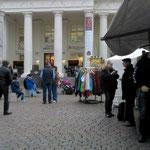 nach dem schoppen und dem Besuch der Galerie von Armin Mueller Stahl (fotografieren verboten)