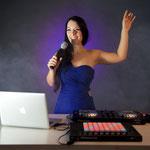 Dinnermusik und dezente Hintergrundmusik mit bekannten Weihnachtstiteln sind ebenso möglich wie weihnachtliche Partyhits von der stimmungsvollen Galaband.