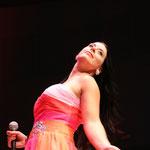 Passion und Leidenschaft mit der Musik. Sängerin Helen lebt die Musik.