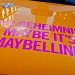 Individuelles Branding auf der Haube des NYC Taxi