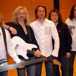 Am 2. April 2005 tritt die Band erstmals in der neuen Besetzung auf....