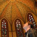 Claudius Dreilich besucht die Pauluskirche in Halle. Hier wurde er getauft.