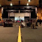 Aufbau für das Konzert in Rostock am 29. Dezember 2005.