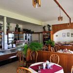 In Otjiwarongo kehren wir in das Café Carstensen ein und erliegen dem Charme der Vergangenheit.