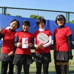 229歳以下の部優勝「thanks!!」左から村井さん那須さん宮本さん森田さん