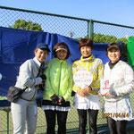 230歳以上の部優勝「お久しぶり!!」左から高木さん千田さん右近さん松本さん