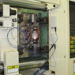 測定子機を成形機内部に配置した例