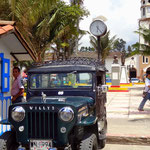 Willys Jeep an der Plaza Major in Salento - foto by chapoleratours