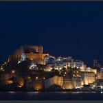 Templer Schloss Peniscola bei Nacht