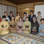 初日 五藤宗紫先生、今村宗和先生を囲んで